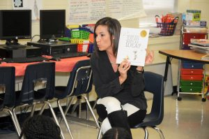 Page Turners Event - Volunteer reading to Classroom